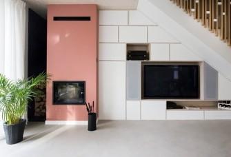 鲜亮的粉色和蓝色打造不一样北欧风格住宅