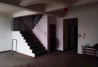 知行合一楼梯换了方向,样子大不一样