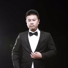 设计师王小龙