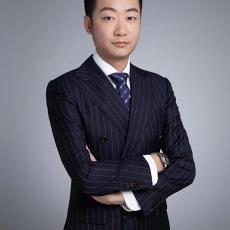 设计师谭飞宇