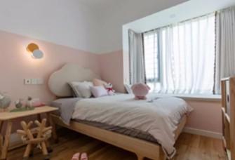 三居室原木色簡約之家。