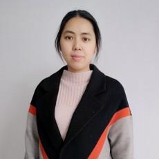 设计师杨芳