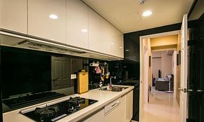 简约风格二居厨房橱柜装修效果图