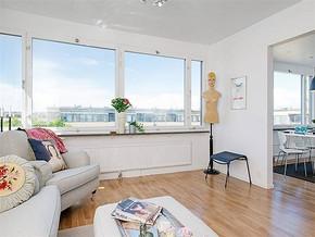 現代簡約風格小戶型客廳顏色搭配裝修效果圖