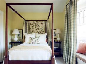 美式风格宁静舒适卧室绿色背景墙装修图