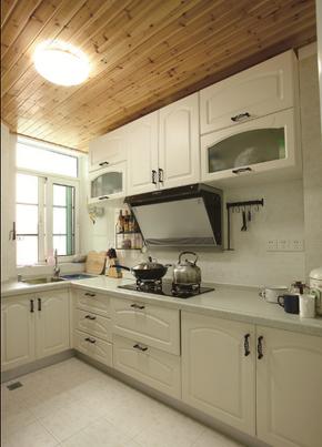 田园风格木质橱柜白色橱柜装修效果图