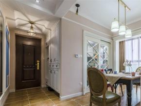 121平美式风格三居室玄关设计效果图