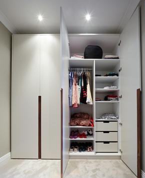 簡約風格乳白色衣柜衣柜布局裝修效果圖