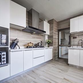 現代風格三居室廚房櫥柜裝修效果圖