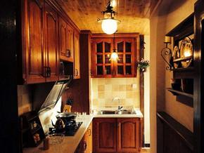 美式风格厨房橱柜装修效果图