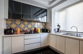 美式别墅厨房橱柜装修效果图