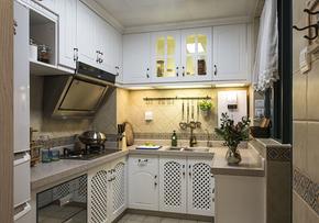 地中海風格廚房白色櫥柜裝修效果圖