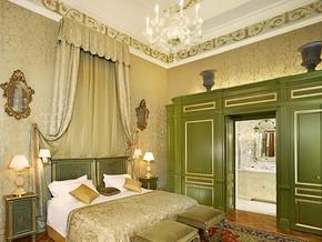 家庭臥室裝飾效果圖