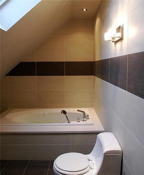 现代风格阁楼卫生间装修效果图