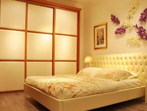 日式風格臥室壁柜裝修效果圖