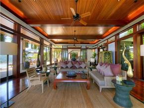 现代风格海景别墅客厅吊顶装修图片