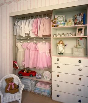 甜美公主风儿童卧室衣柜装修效果图