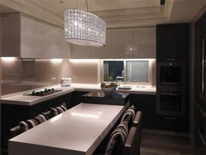 現代小戶型廚房裝修效果圖