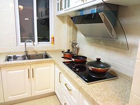 现代风格小厨房装修设计图